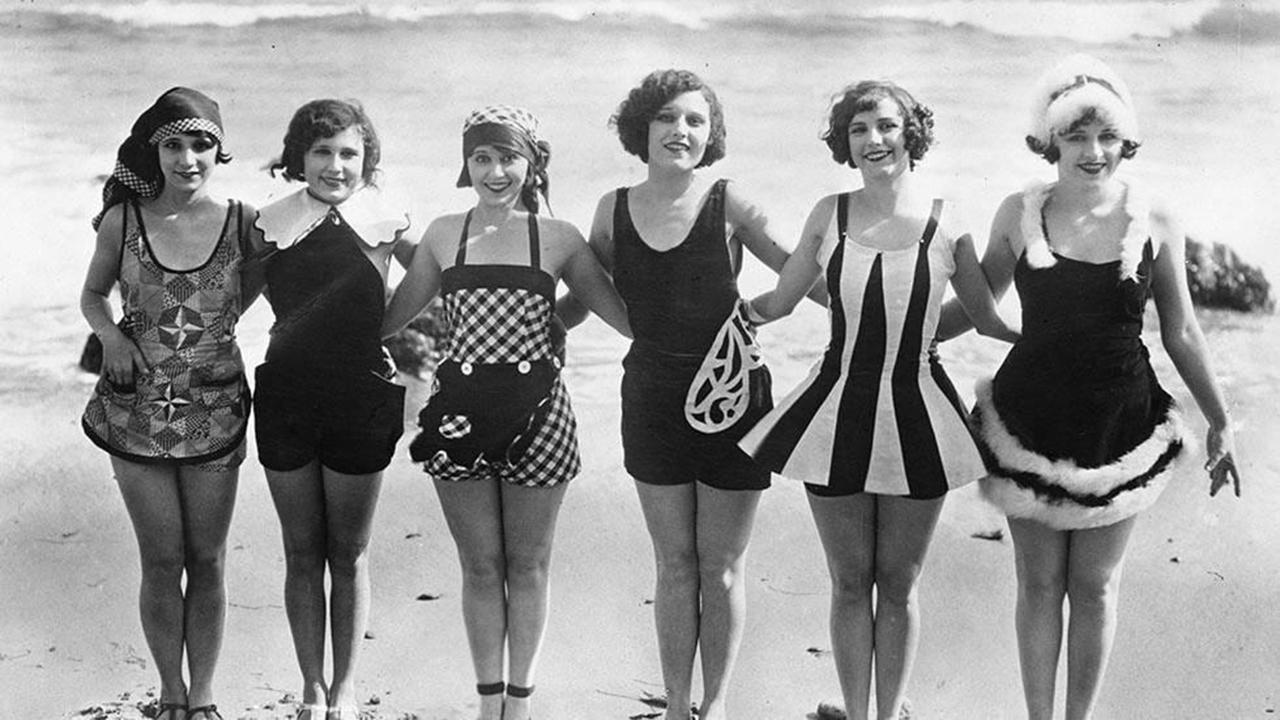 before the bikini: vintage bathing suits of the past CRWJYVR
