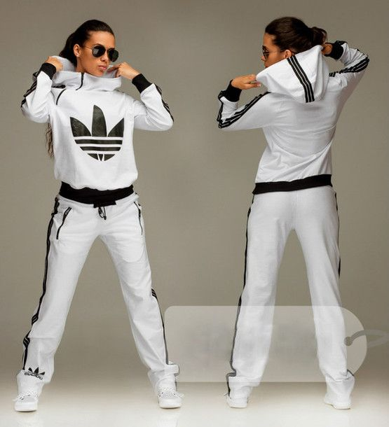 Adidas jumpsuit – equipped with great features!