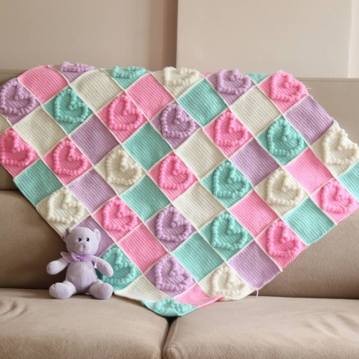 Designing crochet baby blanket for babies