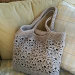 Crochet bag pattern for modern women