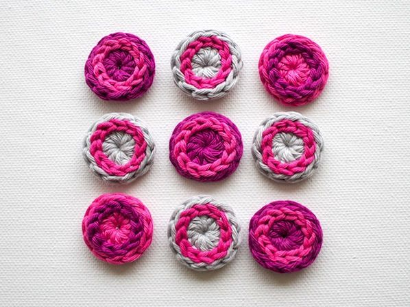 crochet buttons how-to: cool crocheted buttons UQBBURO