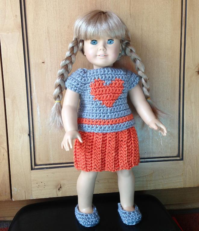 Guide to dressing your doll in crochet doll clothes