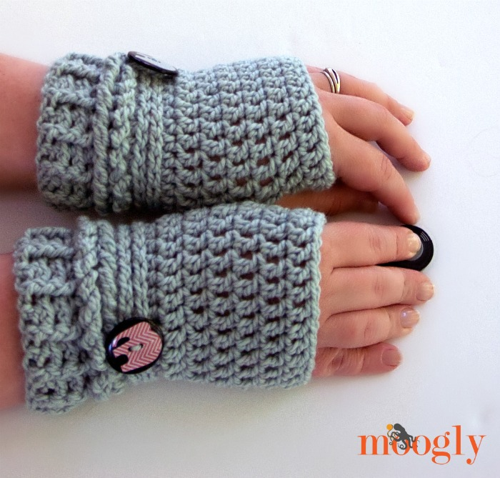 crochet fingerless gloves ups and downs fingerless gloves - free #crochet pattern on mooglyblog.com -  make CFKZWYA