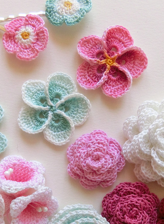 Why a crochet flower pattern is perfect for your door curtain