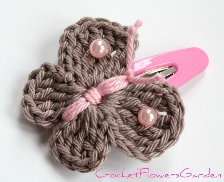crochet hair accessories unique, cute hair clips in soft beige and pink. will match to every little GGILOSL