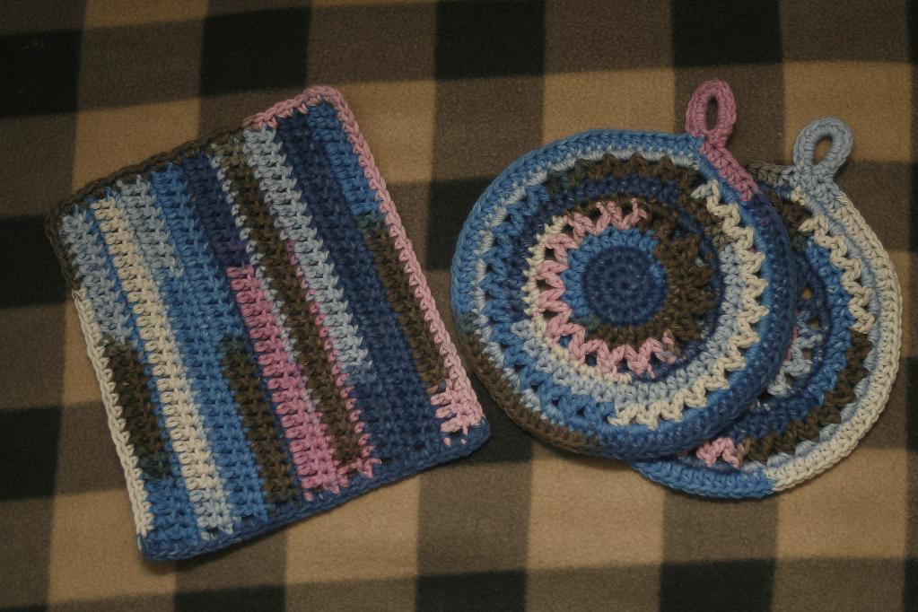 crochet potholders and kitchen cloth XUNSXFR