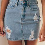 2 big mistakes that women make when washing their denim skirts
