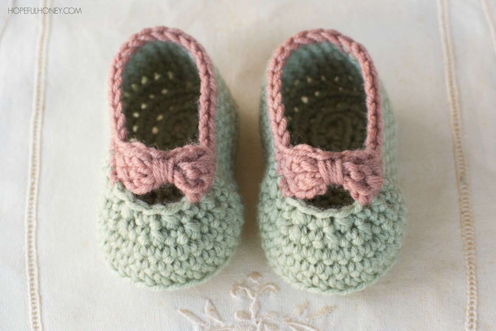 free crochet patterns for babies little lady baby booties - free crochet pattern PSBOTOI