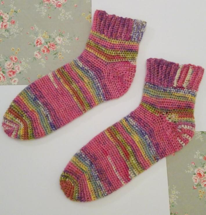 how to crochet socks negative ease 1 ICQIPFB