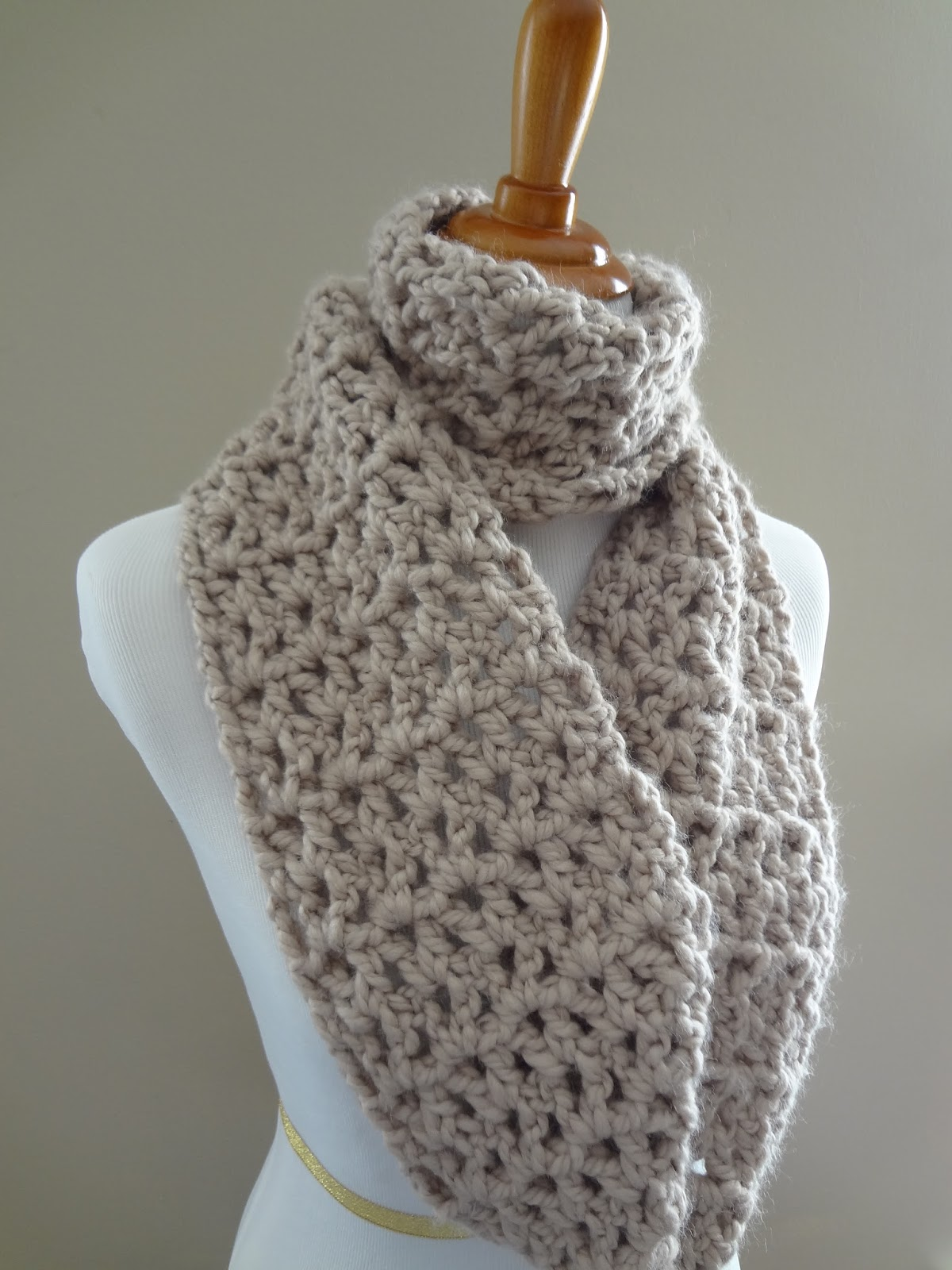 infinity scarf crochet pattern instructions: BPRPKXG