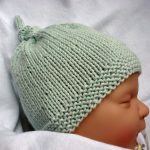 Make your little angel look dashing, get her knitted baby hats