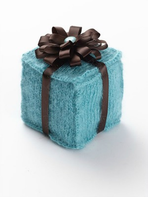 Knitting Gifts knitted-gift-box PICIHCN