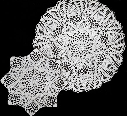 pineapples large and small doily patterns MDYUHXF