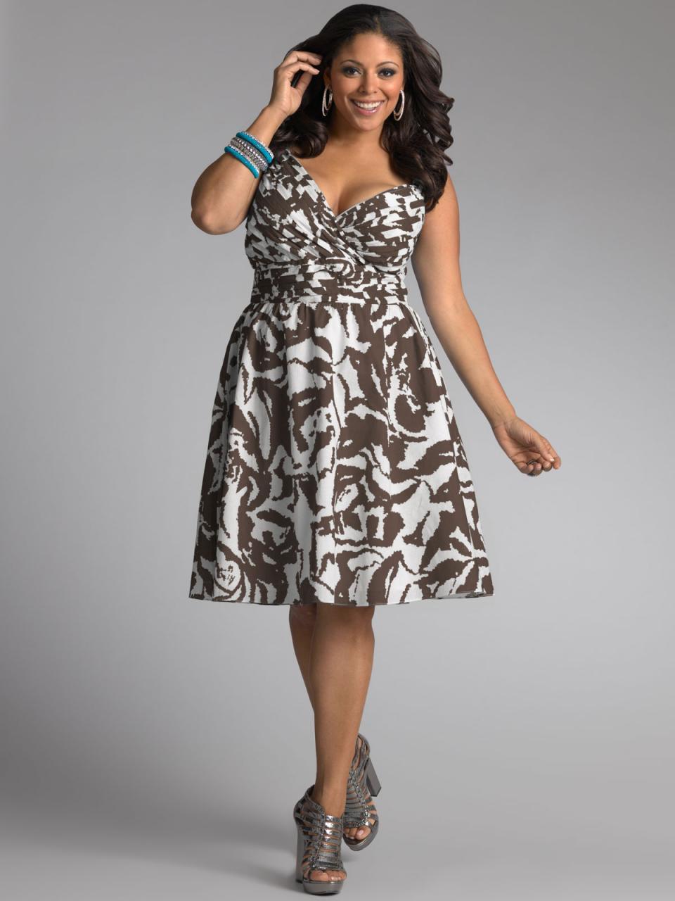 Tips for choosing plus size summer dresses