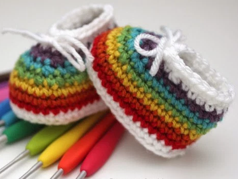 rainbow easy crochet baby booties ZGRQZXB