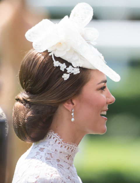 royal ascot hats 2017 - duchess of cambridge cream hat XICGIVQ