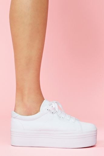 white platform sneakers zomg platform sneaker in white old...taking me back to the 90u0027s u0026 OTTAGZO