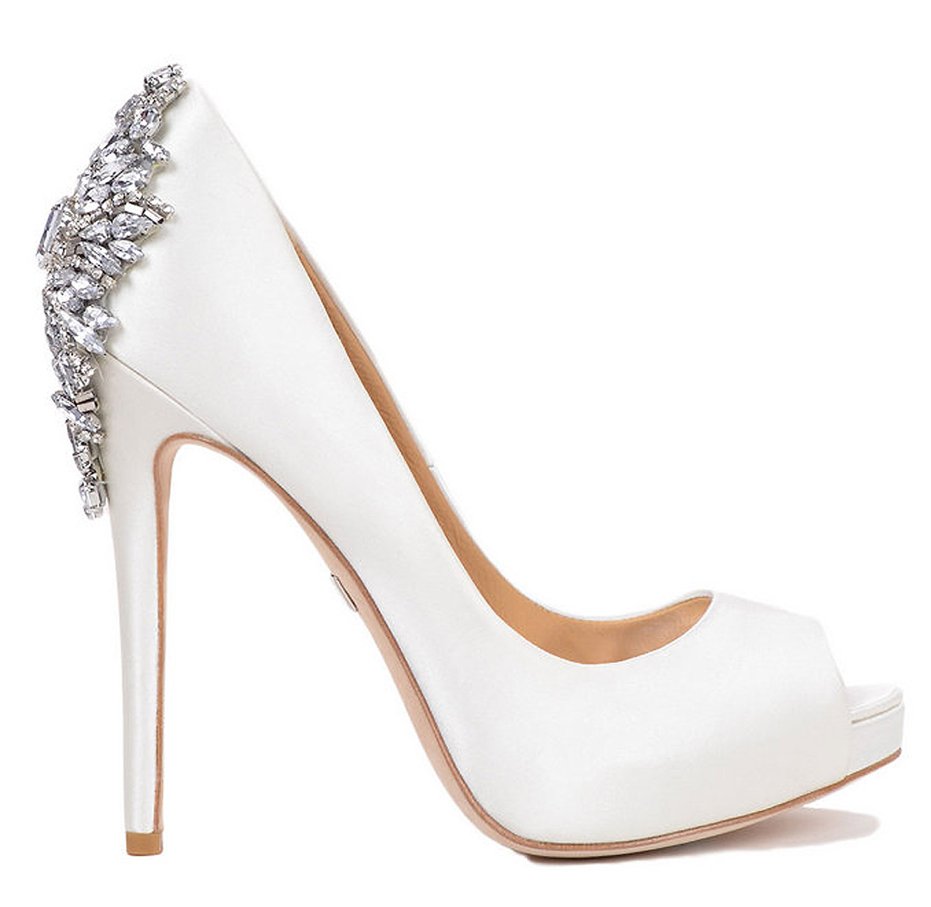 Delicate and beautiful white wedding shoes