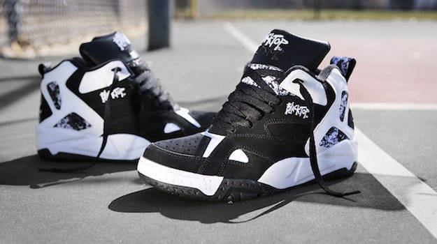 reebok blacktop image via nicekicks TIGRCHN