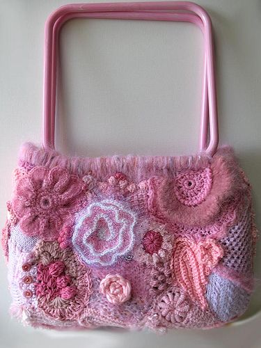 Beautiful crocheted purse for the girly girls. ;) It is pretty and