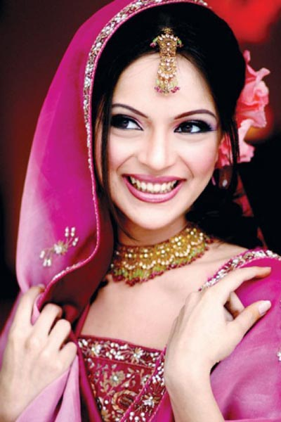 Bridal Makeup Tips for a Glowing Bride | Indian Make up Bridal Tips