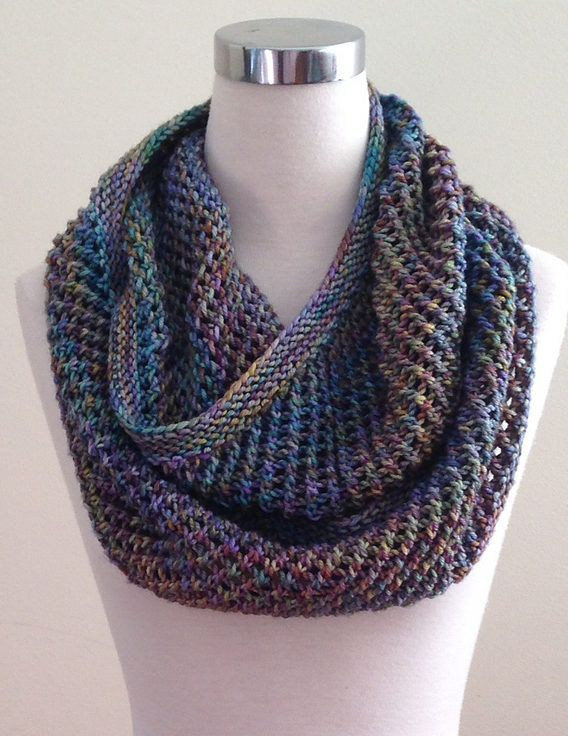 Free Knitting Pattern for Autopilot Cowl - This infinite scarf