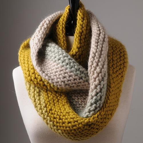 Luxurious but Simple Cowl [Knitting Pattern] | Tangled Yarn UK