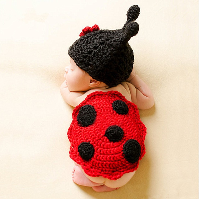 Imitate red beetle costume knitted pattern crochet baby clothing for