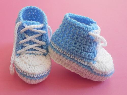 Baby Converse Booties | AllFreeCrochet.com