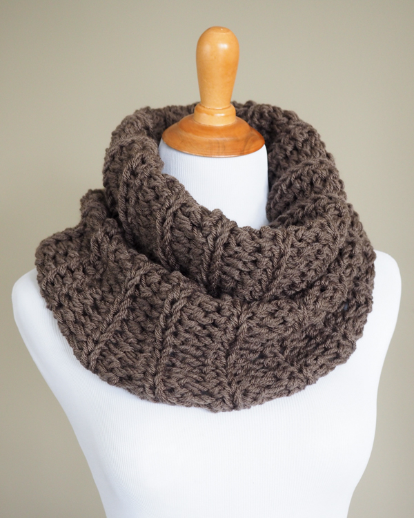 Outlander Cowl Crochet Pattern - Dabbles & Babbles