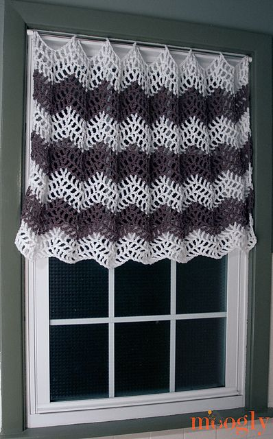 10 Free #Crochet Curtain Patterns - Collection by Moogly! | crochet