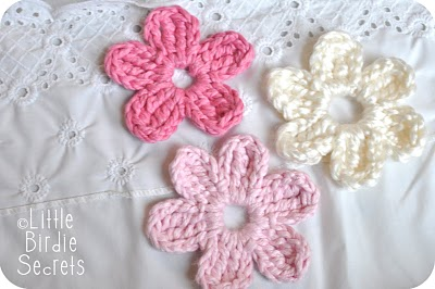 25+ free easy crochet flowers patterns