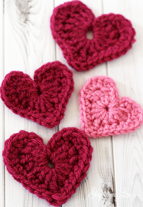 Crochet Heart Applique | Skip To My Lou
