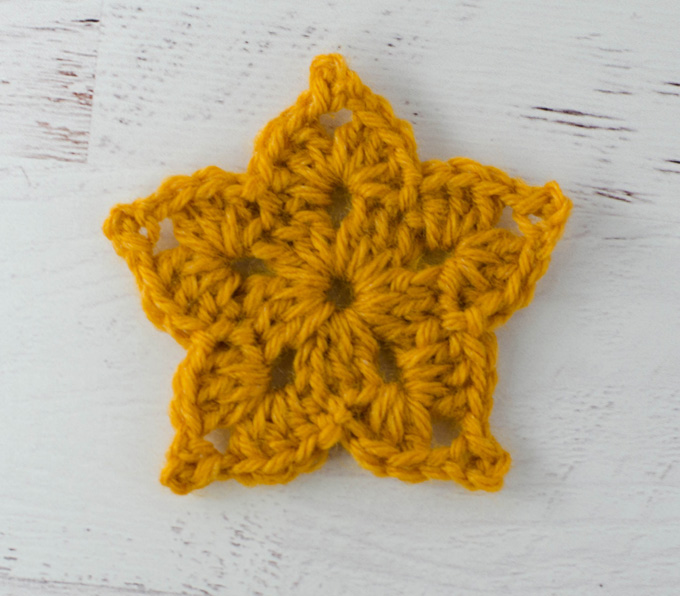Easy Crochet Star Pattern - Crochet 365 Knit Too
