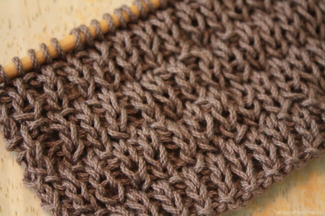Super Easy Knitted Dishcloth (with Free Pattern) - The Soccer Mom Blog
