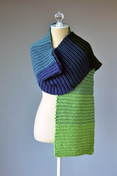 20 Easy Scarf Knitting Patterns for Free That You'll Love Making!
