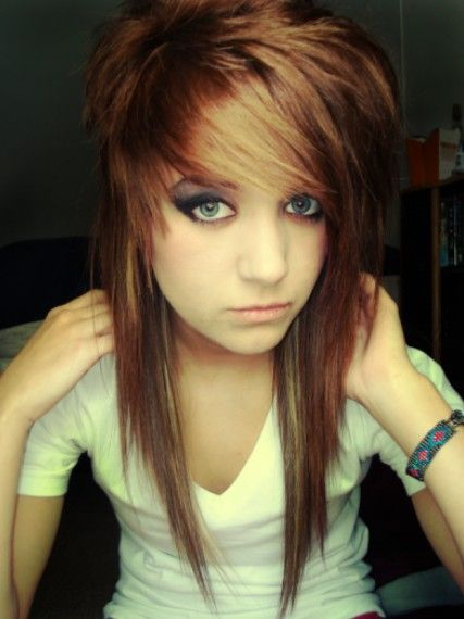 Emo Hairstyles for Girls - Latest Popular Emo Girls' Haircuts