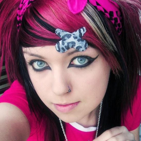Emo eye makeup tips