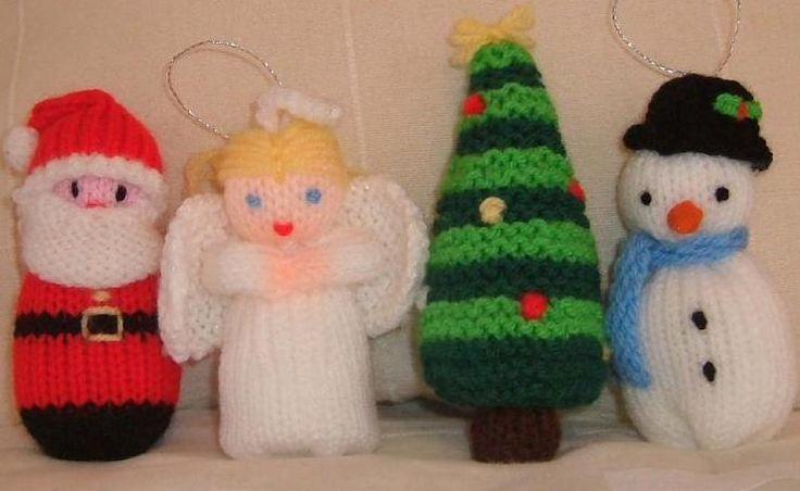Some delightful free Christmas knitting   patterns