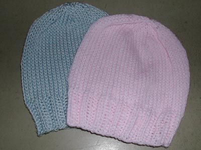 FREE - great newborn hat, pattern for worsted weight/US 6 needles OR