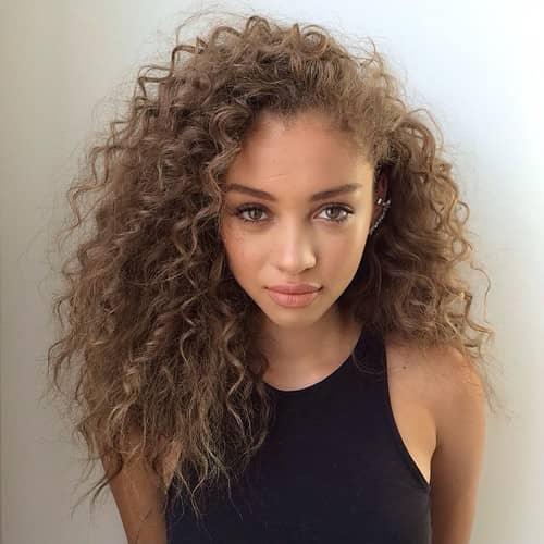50 Brilliant Haircuts For Curly Hairstyle 2019 (Art, Design and Ideas)
