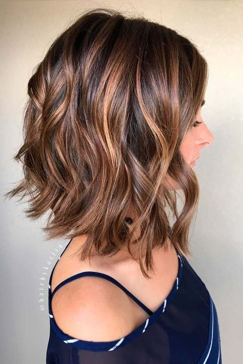 40 Best Short Hairstyles for Thick Hair 2019 - Short Haircuts for
