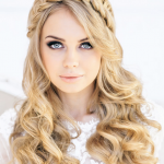 Alluring hairstyles with princess look