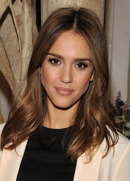 Jessica Alba Hairstyles: Sleek lustrous Medium Hairstyle - PoPular