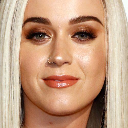 Katy Perry Makeup: Black Eyeshadow, Bronze Eyeshadow, Brown