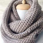 Pros of buying a knit scarf