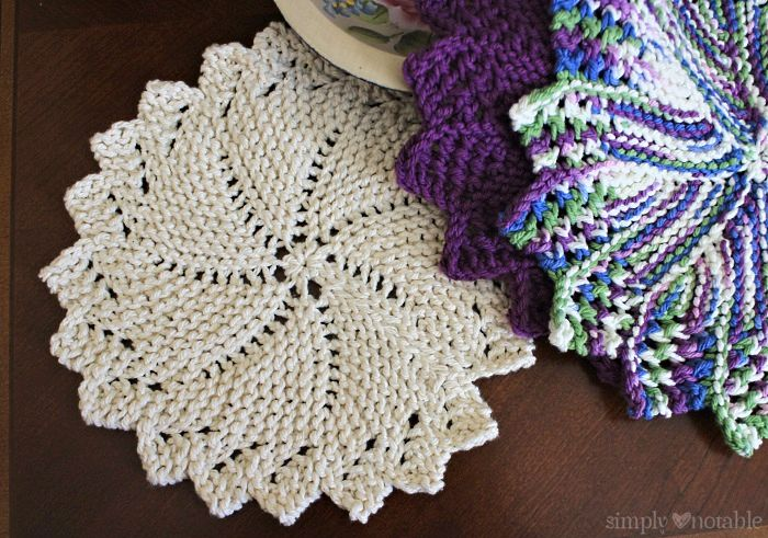Knitted Round Dish Cloths - Simply Notable