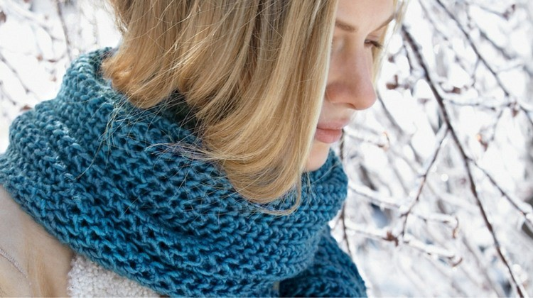 17 Knitted Scarves For Cold Weather | Sewing Project