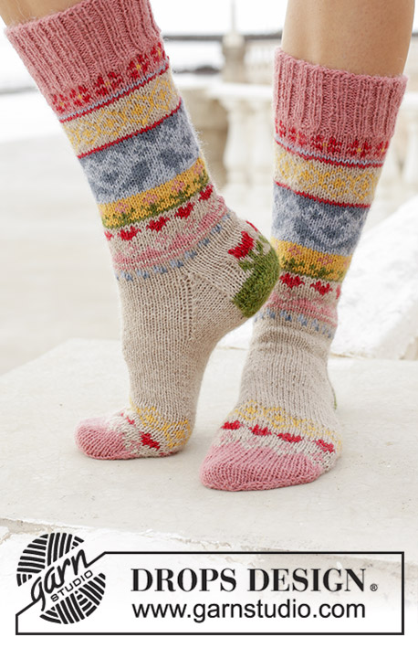 Enchanted Socks / DROPS 189-23 - Free knitting patterns by DROPS Design