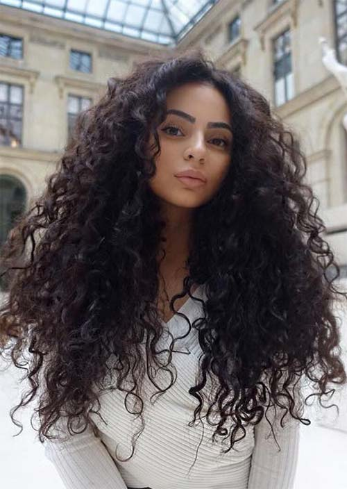 51 Chic Long Curly Hairstyles: How to Style Curly Hair - Glowsly